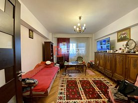 Apartament de vânzare 4 camere, în Timişoara, zona P-ţa Unirii