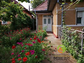 Casa de vânzare 2 camere, în Sâncraiu de Mureş