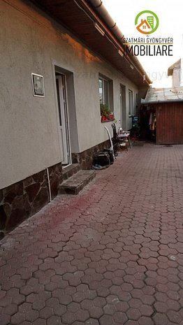 Casă 2 camere,teren mic,zonă semicentrală - imaginea 1
