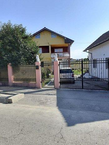 Casa/ Vila cu 9 camere | de vanzare | zona Troianu - imaginea 1