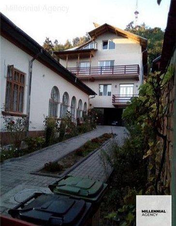 Casa 8 camere | Zavoi | 400 mp utili - imaginea 1