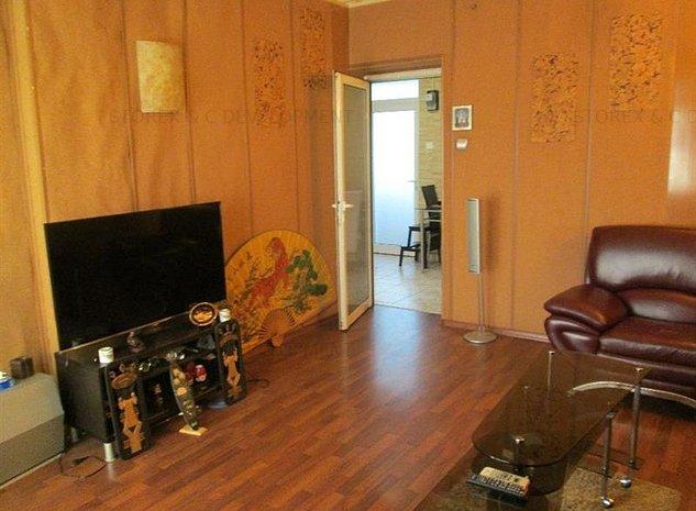 Vanzare apartament 2 camere Primaverii Bolc 3 etaje - imaginea 1