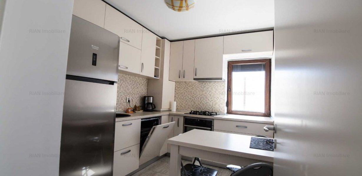 Apartament de închiriat 3 camere - imaginea 1