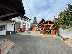 Casa de vânzare 7 camere, în Cristian