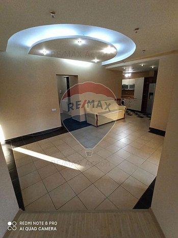 Apartament cu 3 camere P-ta Unirii. - imaginea 1
