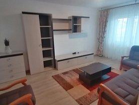 Apartament de închiriat 3 camere, în Târgovişte, zona Micro 8