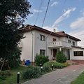 Casa de vânzare 8 camere, în Moreni