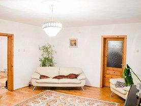 Casa de vânzare 6 camere, în Târgovişte, zona Nord