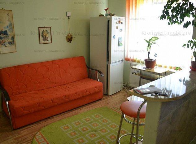 Apartament la mansarda in Vasile Aaron - imaginea 1