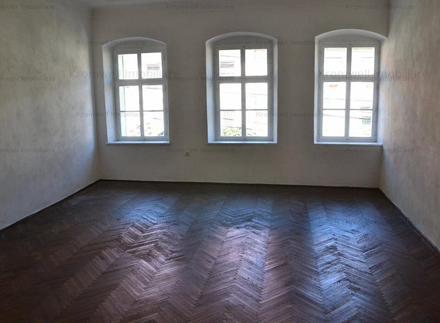 Apartament zona centrala Cisnadie - imaginea 1