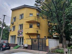 Casa de vânzare sau de închiriat 12 camere, în Bucureşti, zona Vatra Luminoasă