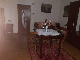 Apartament de închiriat 2 camere, în Târgovişte, zona Micro 10