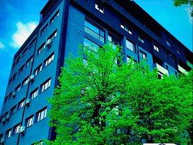 Apartament de vânzare 3 camere, în Bistriţa, zona Ştefan cel Mare