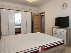 Apartament de închiriat 2 camere, în Constanţa, zona Far