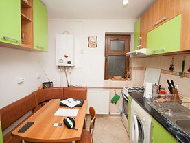Apartament de vânzare 2 camere, în Buşteni