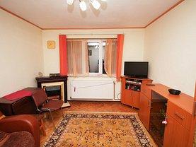 Apartament de vânzare 3 camere, în Buşteni