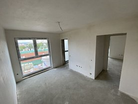Apartament de vânzare 3 camere, în Cluj-Napoca, zona Bună Ziua