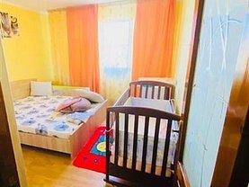Apartament de vânzare 3 camere, în Galaţi, zona Micro 13