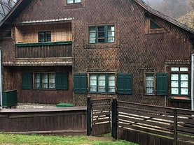 Casa de vânzare 8 camere, în Ciumârna