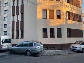 Casa de vânzare 10 camere, în Bucureşti, zona Pache Protopopescu