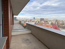 Penthouse de vânzare 3 camere, în Bucureşti, zona P-ţa Romană