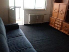 Apartament de vânzare 3 camere, în Ploieşti, zona Eminescu