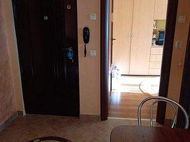 Apartament de vânzare 2 camere, în Braşov, zona Tractorul