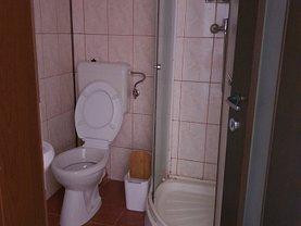 Casa de închiriat 10 camere, în Braşov, zona Vlahuţă