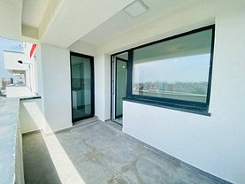 Apartament de vânzare 2 camere, în Bucureşti, zona Regie