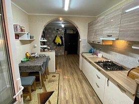 Apartament de vânzare 4 camere, în Bucureşti, zona Chişinau