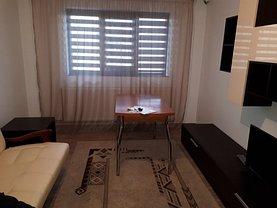 Apartament de închiriat 3 camere, în Târgovişte, zona Micro 4