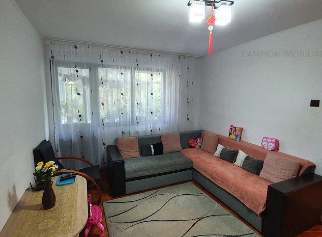 Vanzare apartament 3 camere, semidecomandat, confort 1, Aleea Trandafirilor - imaginea 1