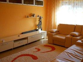 Apartament de închiriat 3 camere, în Târgovişte, zona Micro 11