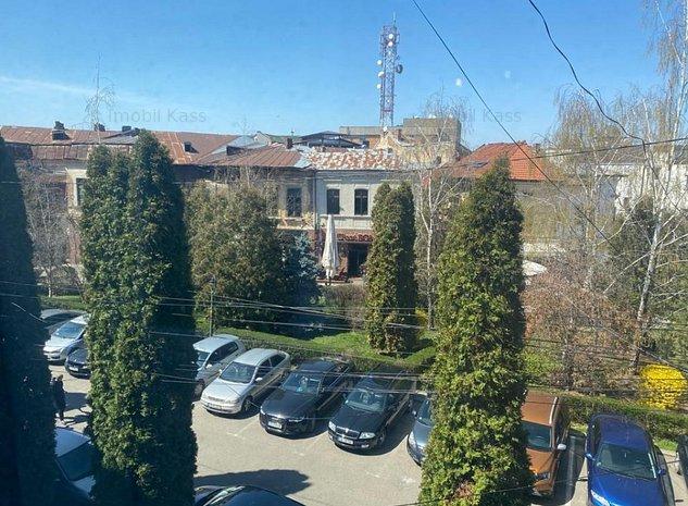 Inchiriere apartament 3 camere, mobilat, etaj 2, Targoviste, Centru Vechi, - imaginea 1