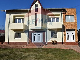 Casa de vânzare 9 camere, în Ştefăneşti