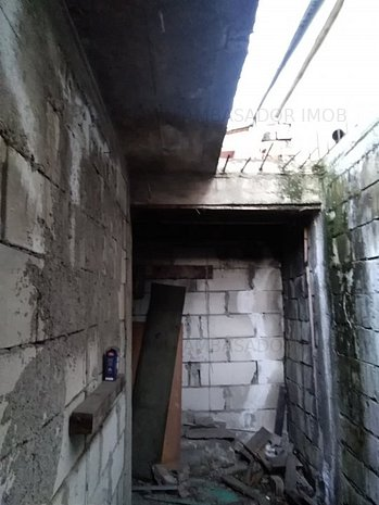 Casa la gri pe Soseaua Antiaeriana - imaginea 1