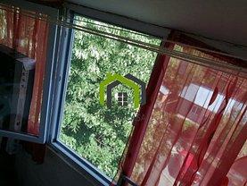 Apartament de vânzare 3 camere, în Sărata-Monteoru
