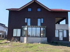 Casa de vânzare 8 camere, în Domneşti