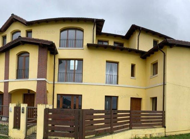 Apartament cu 3 camere decomandat - Bloc tip vila - imaginea 1