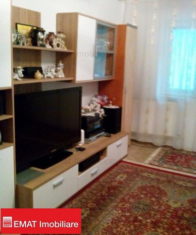 Vanzare apartament 3 camere, zona Nord 50 - imaginea 1