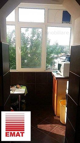 Vanzare apartament 3 camere , Ploiesti, Mihai Bravu 24 - imaginea 1