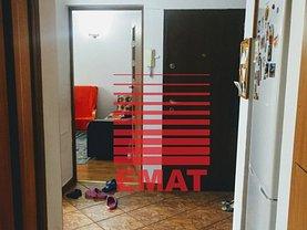 Apartament de vânzare 2 camere, în Ploieşti, zona Democraţiei