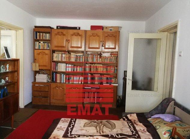 Vanzare apartament 2 camere in zona Nord-Cameliei 71 - imaginea 1