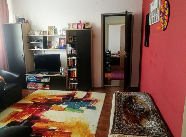 Vanzare apartament 3 camere, in Ploiesti zona Cina (ID 170) - imaginea 1