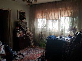 Apartament de vânzare 3 camere, în Ploiesti, zona Vest