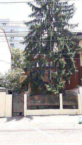 Casa / Vila cu 3 camere de vanzare in zona Domenii - imaginea 1