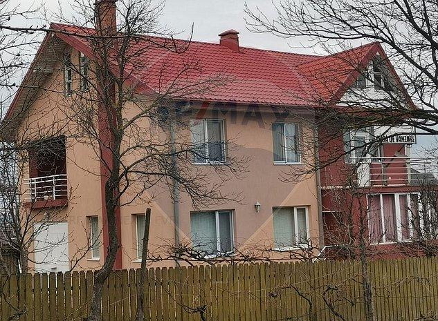 Casa / Vila cu 5 camere de vanzare - imaginea 1