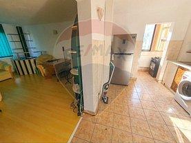 Apartament de vânzare 3 camere, în Bacău, zona Alecu Russo