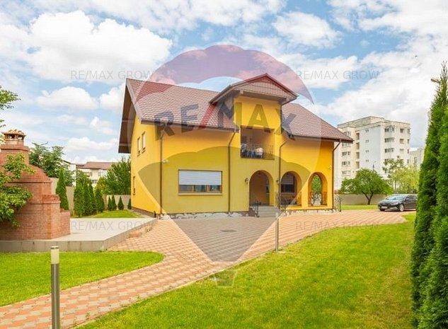 Casa / Vila langa Parcul Catedralei, ultracentral Bacau - imaginea 1