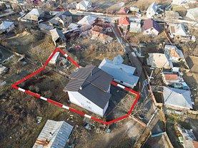 Casa de vânzare 9 camere, în Mărgineni